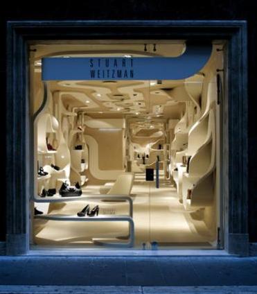 """Дизайн интерьера обувного магазина  """"Stuart Weitzman """" от миланского архитектора Fabio Novembre."""