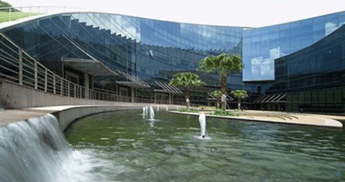 Школа искусств, дизайна и средств массовой информации в Сингапуре